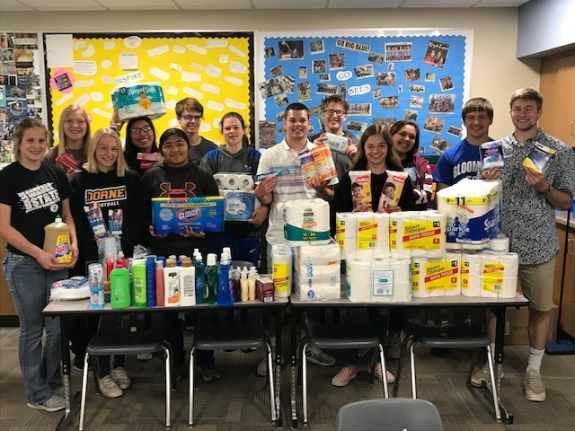 Leadership Class with food pantry donations